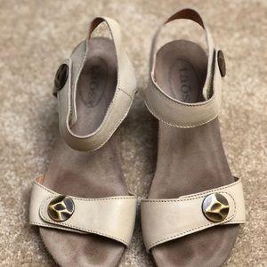 Barely worn cream Taos wedge heel sandals